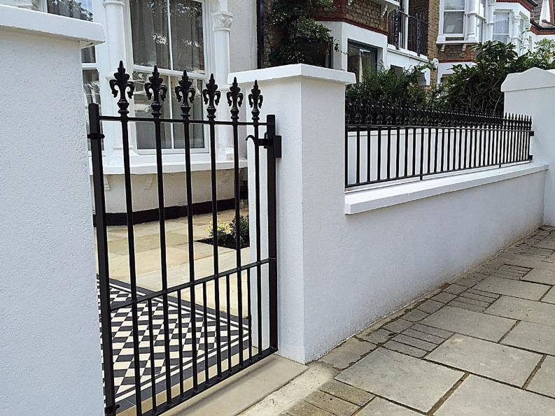Fulham Landscaping Specialise In The Design And Construction Of Garden Walls  In All Materials All Over London. Areas Covered Include Fulham, Clapham, ...